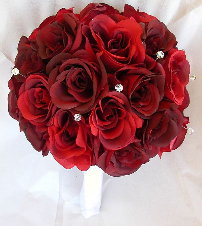Круглый букет невесты розы красные, цветов белинского нижний