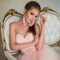 Фотограф Арина Шмелева  Прическа и макияж Павел Кондрашин  Платья DRESSTOGO