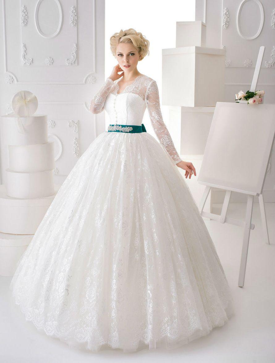 Фото 10695898 в коллекции Портфолио - Салон свадебной и вечерней моды Marie Blanc