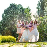 Красавица невеста с подружками