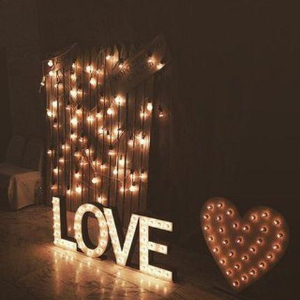 Светящиеся слова и буквы