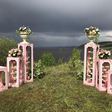 Столбики для оформления церемонии в аренду