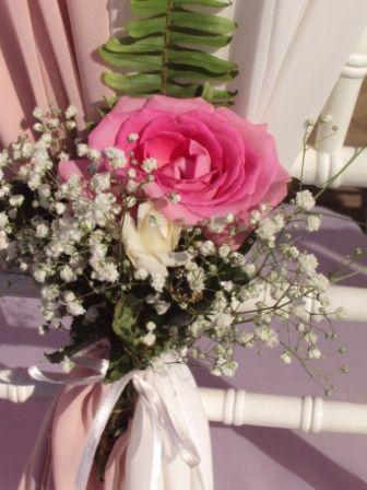цветочная композиция на стулья для гостей - фото 1020069 TUANA Организация свадьб и торжеств в Анталии