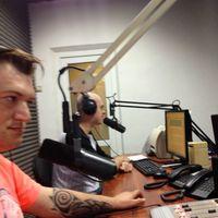 На Радио)))