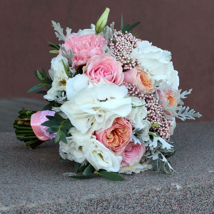 Букет невесты нежных оттенков