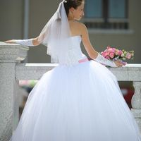 """На Надежде свадебное платье """"Влада"""". Надя специально заказывала это платье с розовой лентой! А какой цвет ленты выбрали бы Вы?"""