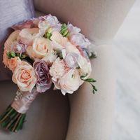 Элегантный букет невесты пастельных  оттенков