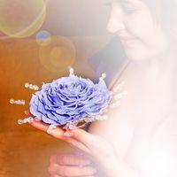 Букет -гламелия.Это фантазийный цветок быполненный из лепестков розы.цветовая гамма от белого до черного
