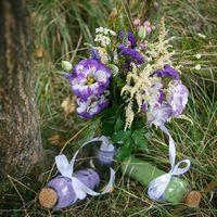 Необычный букет невесты и бутылочки с песком для выездной церемонии