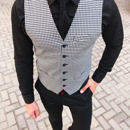 Чёрно-белый жилет