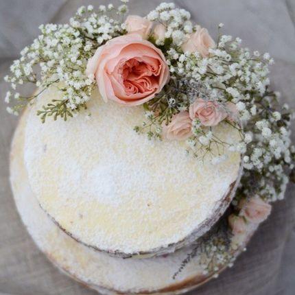"""""""Голый"""" торт с живыми цветами"""