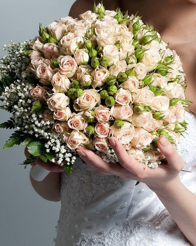 Букет из кустовых роз на свадьбу, невесты маленький