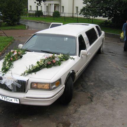Украшение авто цветами