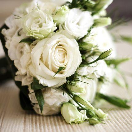 Букет невесты роза с эустомой