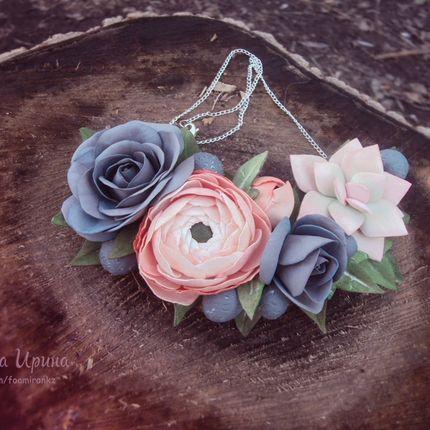 Колье с цветами из фоамирана