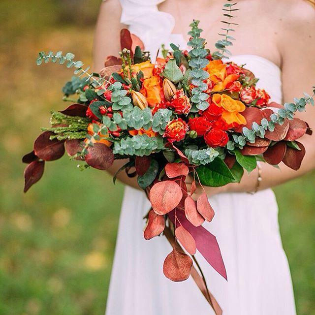 Яркая осень❤️ PH: [club21603689|Свадебный фотограф]  Florist: @viktorina_florist  #свадьба#осень#lovestory# - фото 11096698 Флорист Савинова Виктория