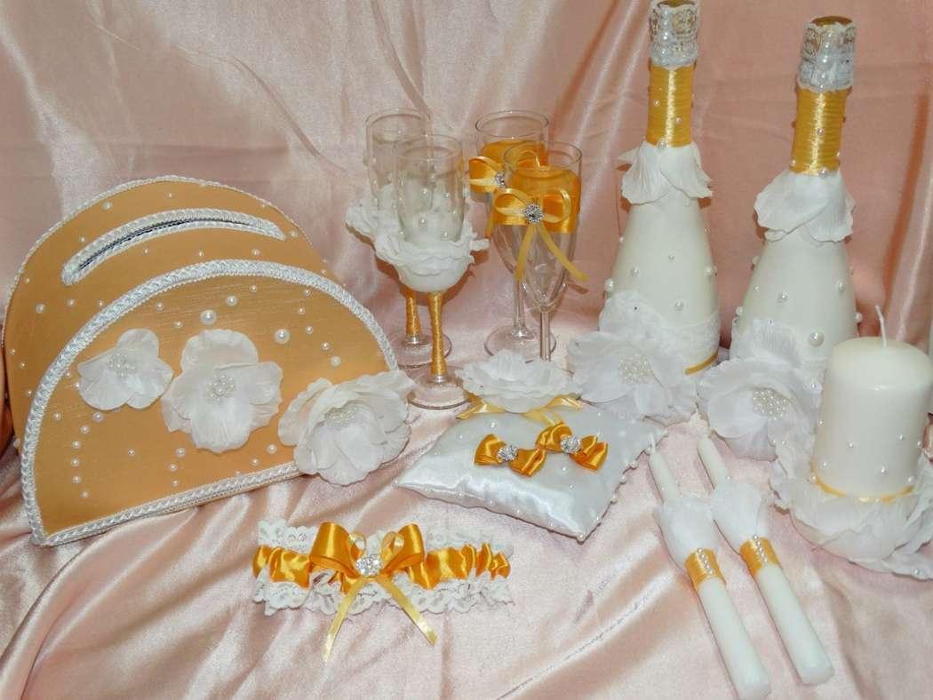 Золотой и желтый цвета прекрасно подходят для свадьбы, поскольку желтый символизируют оптимизм, молодость и веселье, а золотой означает яркую жизнь, счастье и богатство. Золотой цвет отлично подходит превосходно украсит свадебное торжество. Набор создан д - фото 11107024 Креатив центр  - cтудия праздничных услуг
