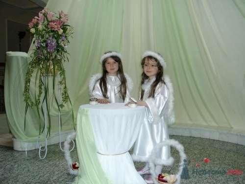 Вот такие ангелочки сопровождают жениха и невесту - фото 1105 Флорист-дизайнер Елена