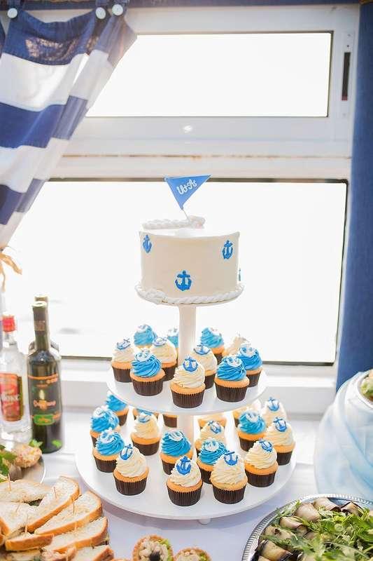 Свадебный торт и капкейки в морской тематике от Свит Бисквит - фото 11351214 Кондитерская Свит Бисквит
