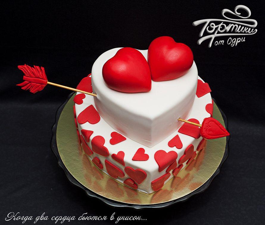 свадебные торты сердцем фото