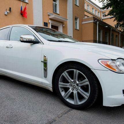 Аренда авто Jaguar XF, цена за 1 час