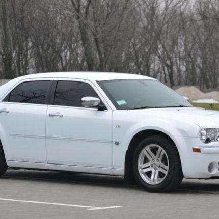 Аренда авто Chrysler 300C, цена за 1 час