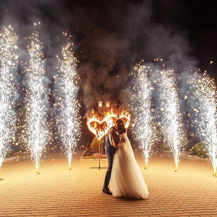 Огненные сердца и холодная пиротехника на свадьбу
