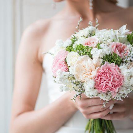 Классический букет невесты + бутоньерка