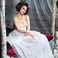 АВТОРСКОЕ Свадебное платье ВЕТКА. Легкое, нежное, плавно переходящий лиф от прозрачного в изящно - затонированный тонким мерисоном. Ломкие ветки, украшенные бисерм и бусинками вышиты вручную. Окончательная посадка и доработка займет 7 дней. ТОЛЬКО В ОДНОМ