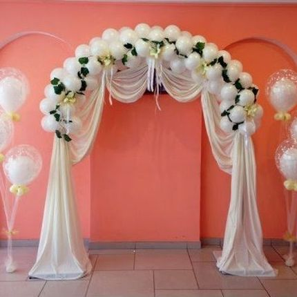 Оформление свадебной арки и столика