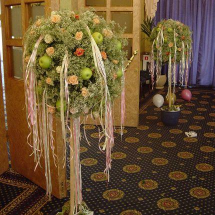 Декор в виде дерева