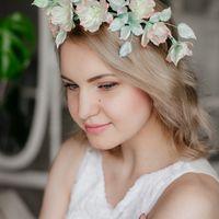 Венок на голову, украшение для невесты. Цветы шиповника.
