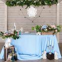 фото из нашего зала. оформление стены за столом молодых - зелень и растяжку гирлянды сделать