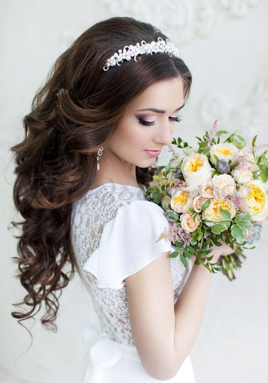 Прическа на свадьбу с короной и фатой фото