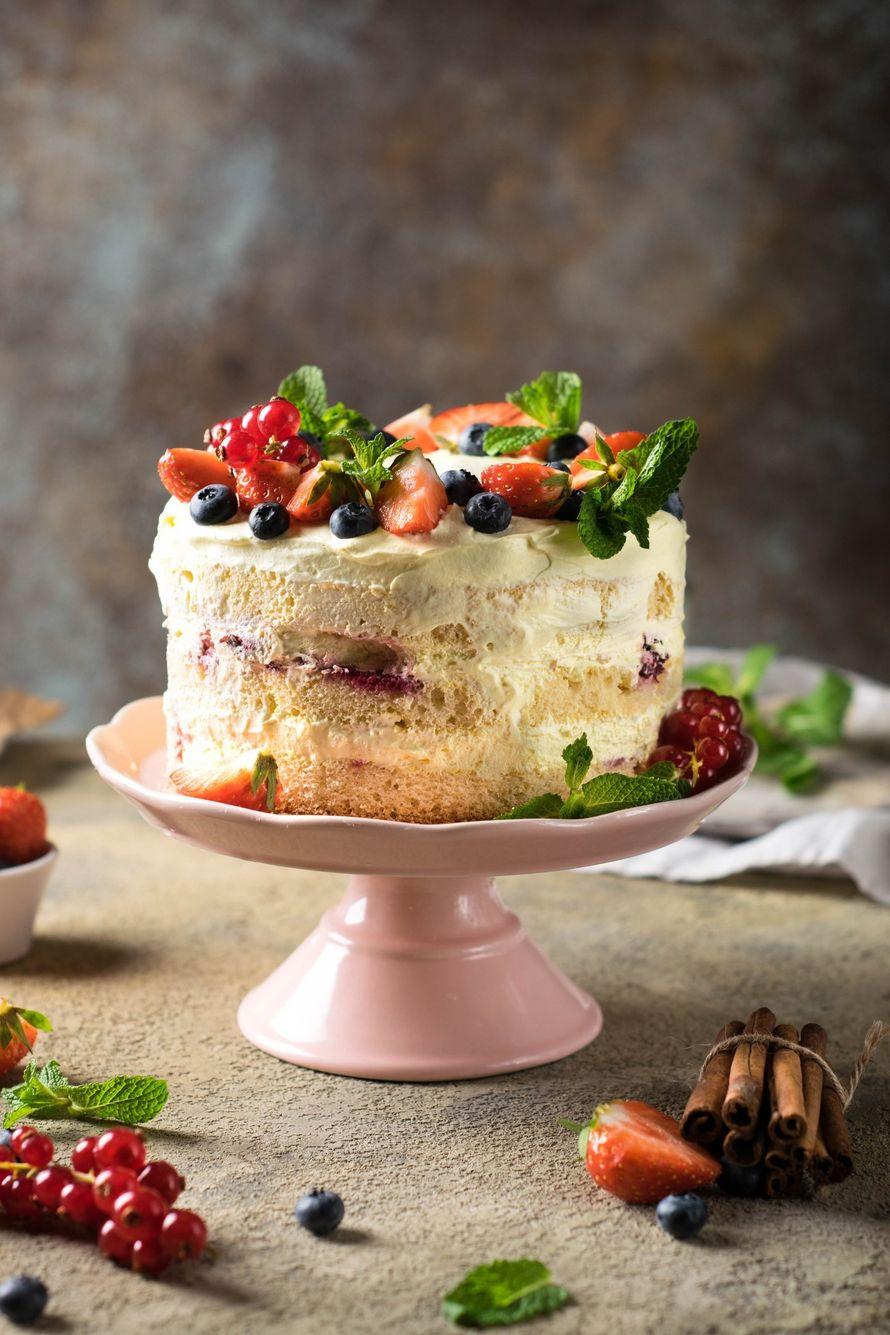 """Праздничный торт - изюминка торжества! Хотите удивить гостей, порадовать любимых? - закажите торт в ресторане Mia Famiglia!  Мы подарим Вам торт с зажженными свечами или фейерверками!  Шеф-кондитер Mia-Famiglia предлагает изготовить на заказ: - йогуртовый - фото 17074962 Ресторан """"Mia famiglia"""""""