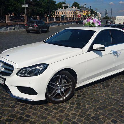 Аренда Mercedes Benz Е200 W212 2016 года, цена за 1 час