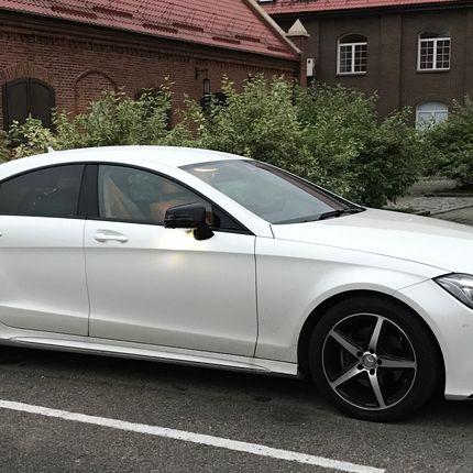 Аренда авто Mercedes Benz CLS, цена за 1 час