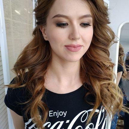 Репетиция причёски и макияжа