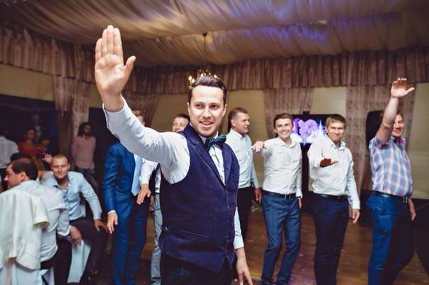 "Скажем ""стоп"" банальным конкурсам - фото 3893531 Ведущий Афанасьев Кирилл"