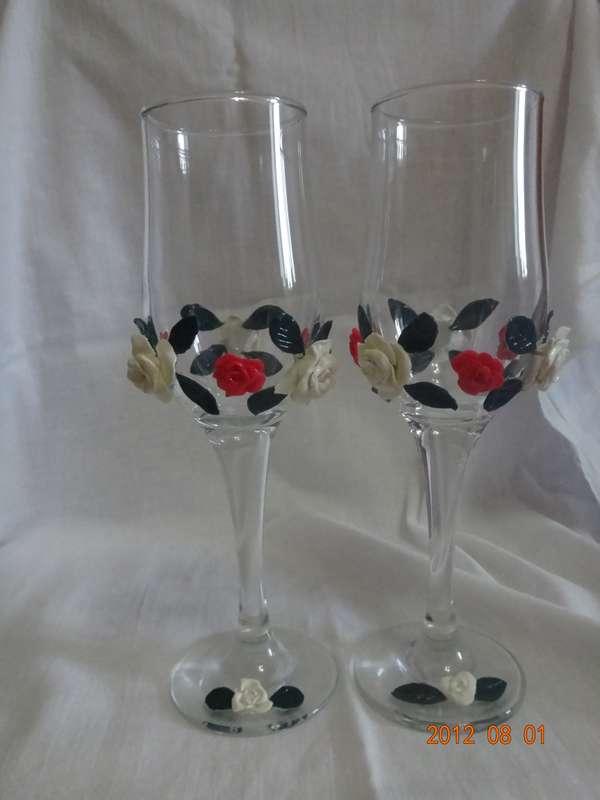 Сочетание ярко-розовых и белых роз для яркой невесты - фото 500573 Свадебные бокалы ручной работы - Олеся