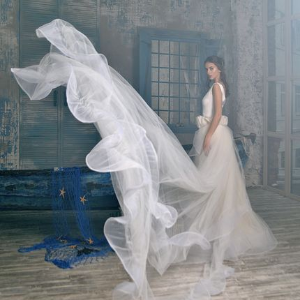 Свадебное платье Adele со съёмным шлейфом