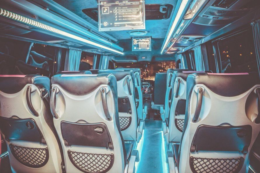 """- Mercedes Sprinter Люкс VIP (чёрный) 17 (16+1) мест (климат-контроль, 2 телевизора) - фото 13986316 Транспортная компания """"Алмаз авто"""""""
