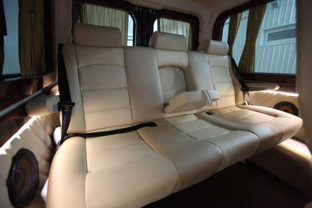 """- Mercedes Benz Sprinter (9+1 мест) - Салон комби: кожа. - Анатомические кресла установлены по направлению движения, откидывающиеся спинки на 90 %. Подлокотники. - Большое расстояние между креслами позволяет комфортно располажиться на дальние расстояния.  - фото 13986336 Транспортная компания """"Алмаз авто"""""""