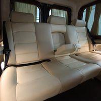 - Mercedes Benz Sprinter (9+1 мест) - Салон комби: кожа. - Анатомические кресла установлены по направлению движения, откидывающиеся спинки на 90 %. Подлокотники. - Большое расстояние между креслами позволяет комфортно располажиться на дальние расстояния.