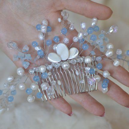 Свадебный гребень с жемчугом, кварцем и перламутром ′Пролиски′