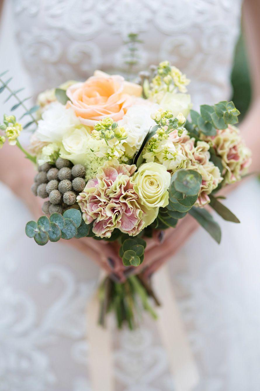 """Фото 15287516 в коллекции Свадебный букет. Букет невесты - Сеть флористических салонов """"Букетная мастерская"""""""