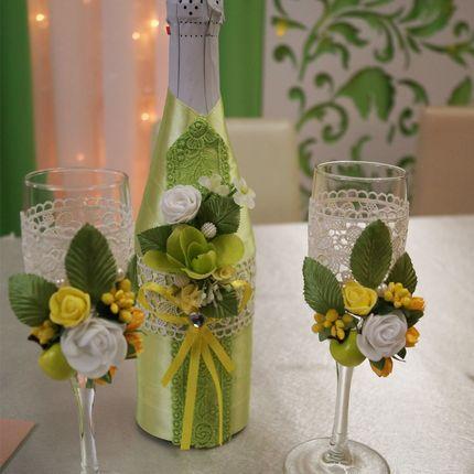 Декор свадебных бокалов и шампанского