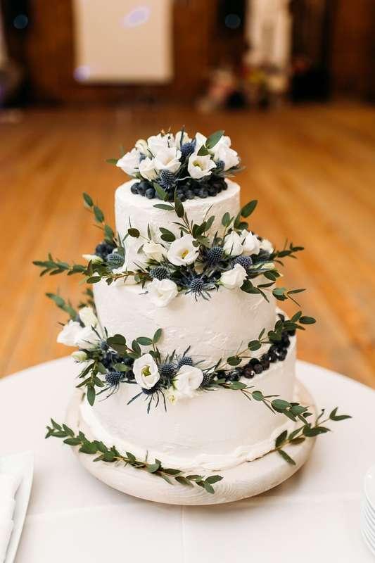 Украшение свадебного торта - фото 17093884 Мастерская флористики и декора Irene Me Flor