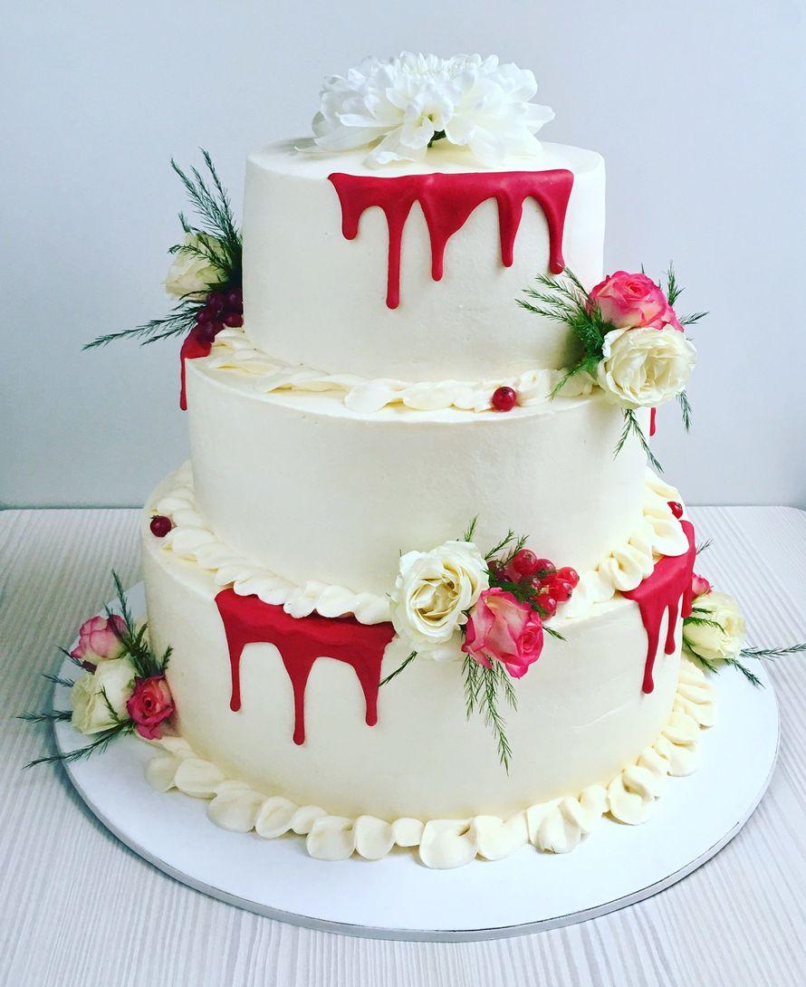 Свадебный торт с живыми цветами, цена за 1 кг