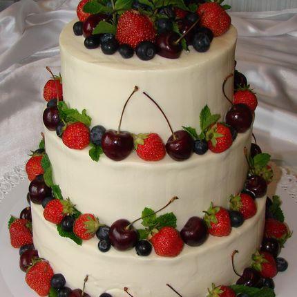 Торты с ягодами, цена за 1 кг